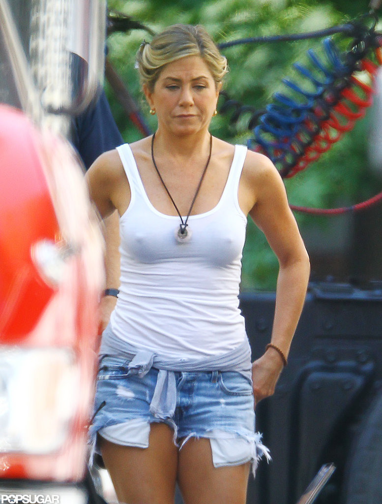 Jennifer Aniston wore a white tank top to film on the set of We're the Millers.