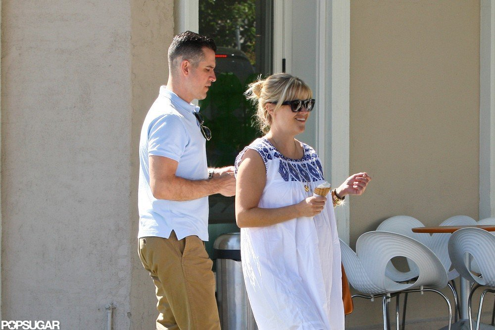 Reese Witherspoon and Jim Toth got dessert.