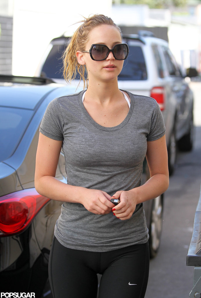 Jennifer Lawrence worked out in a gray t-shirt.