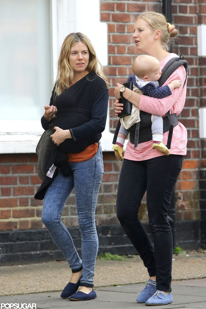 Sienna Miller walked with her sister and their babies to get frozen yogurt.