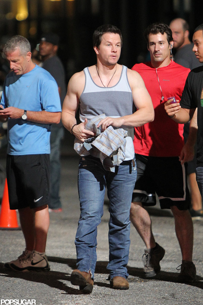 Mark Wahlberg arrived on the New Orleans set of 2 Guns.