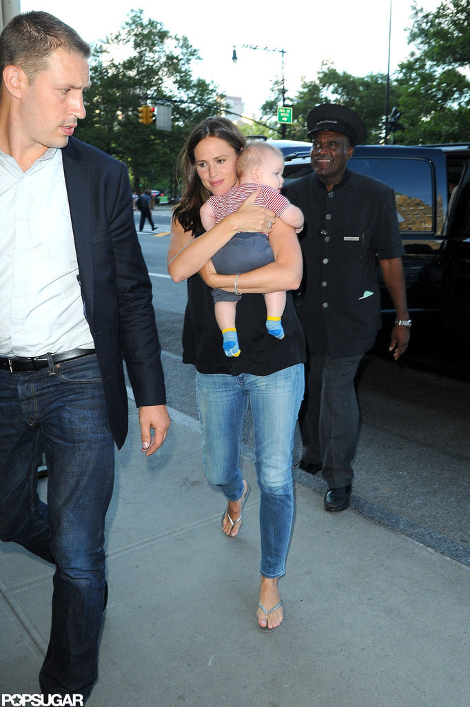 Jennifer Garner held baby Samuel close.