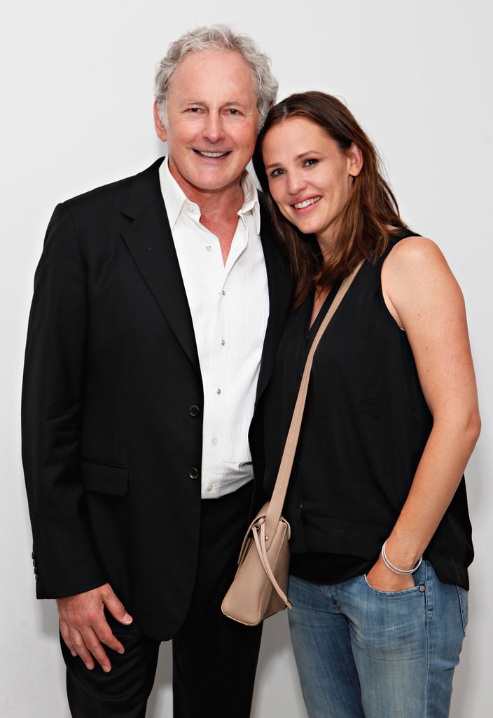 Jennifer Garner was very happy to see Victor Garber in NYC.