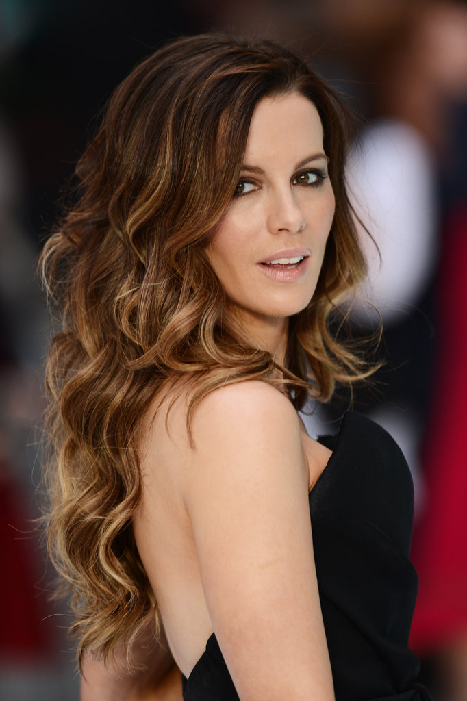 Kate Beckinsale donned smoky eyes and light lipstick.