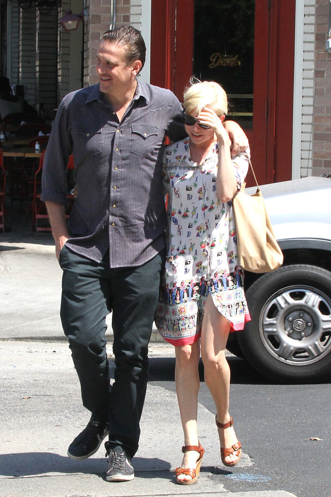 Jason Segel and Michelle Williams showed PDA.