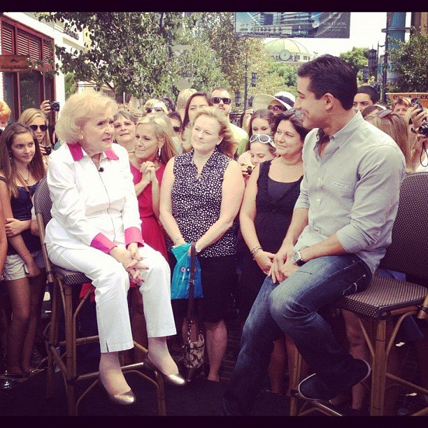 Betty White stopped by The Grove in LA to chat with Mario Lopez. Source: Instagram user extratv