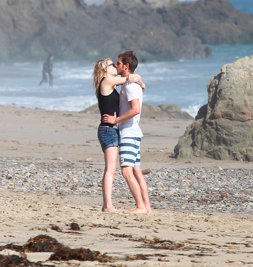 Emma Stone and Andrew Garfield kissed on the beach.