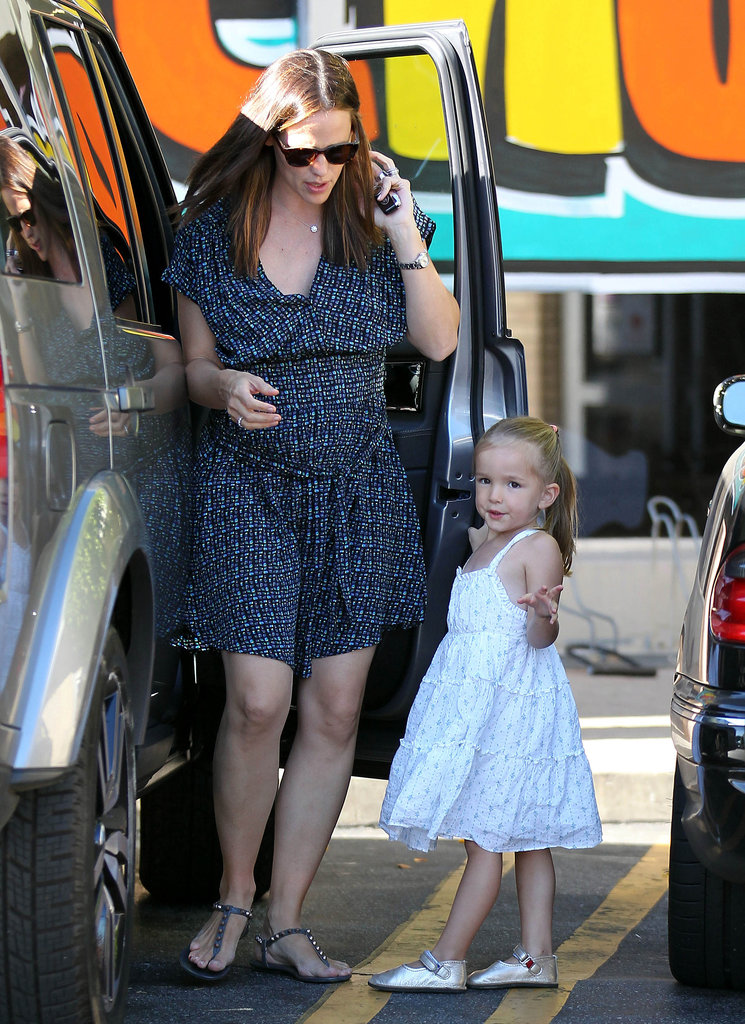 Jennifer Garner and Seraphina Affleck shopped for food in LA.