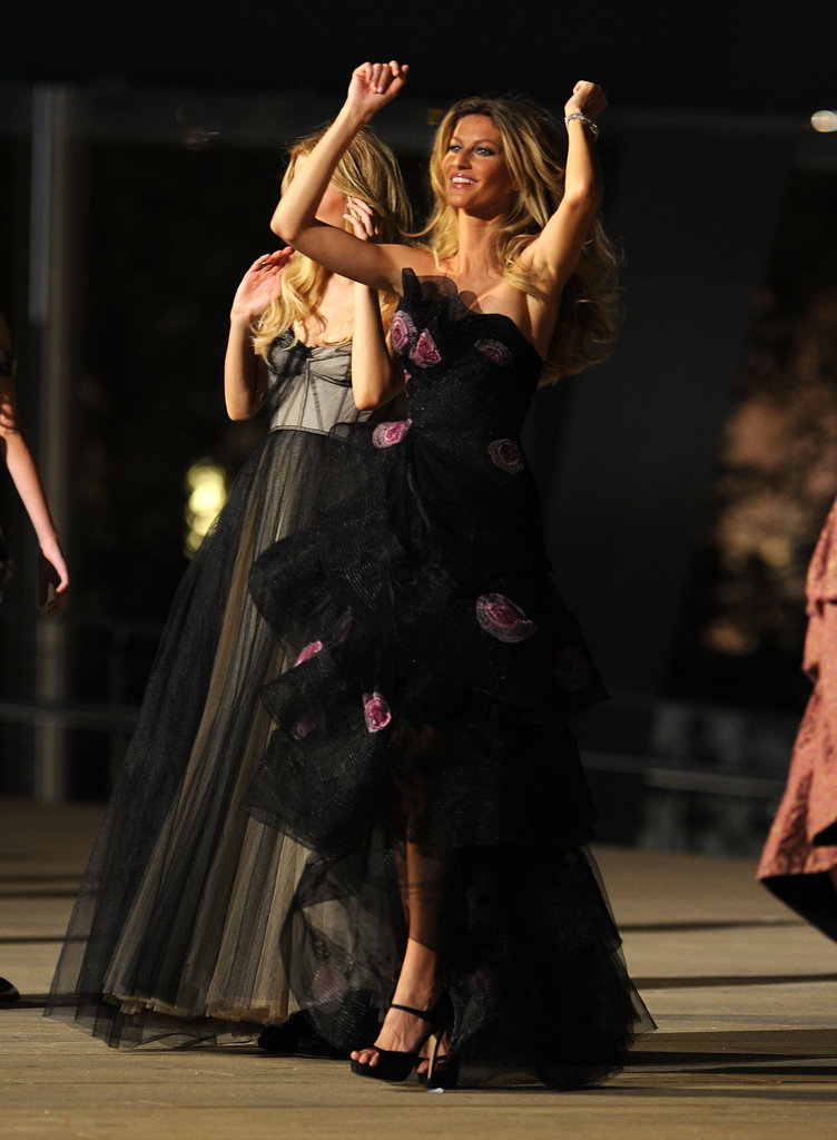 Gisele Bundchen did a dance on the runway during Fashion's Night Out in 2010.