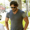 Joe Manganiello Shows Muscles in a Tee | Pictures