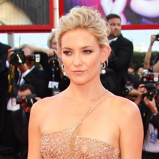 Kate Hudson Video Interview at 2012 Venice Film Festival Talking About Bingham's British Roots