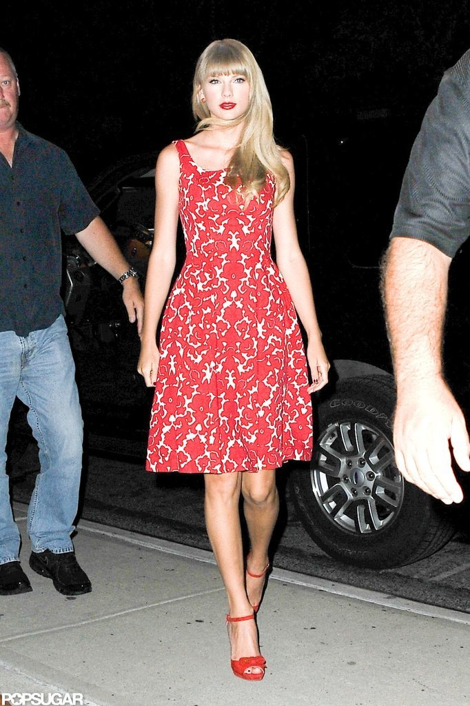 Taylor Swift got out of a car in NYC.