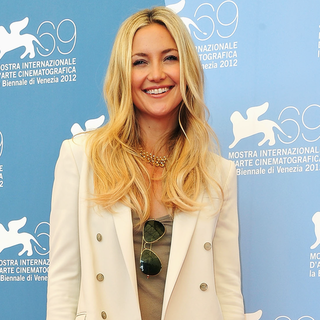Kate Hudson Switches from a Manstyle White Gucci Suit to a Glam Atelier Versace Gown at the 2012 Venice Film Festival
