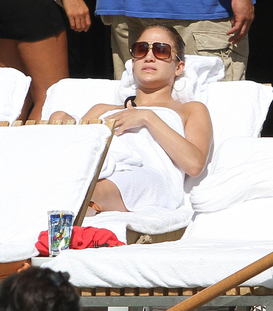 Jennifer Lopez Logs Bikini Time Between Shows