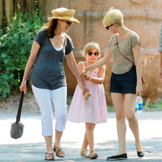 Heath Ledger's Mum Sally Bell With Michelle Williams, Matilda & Jason Segel