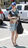 Rachel McAdams carried a grocery bag.