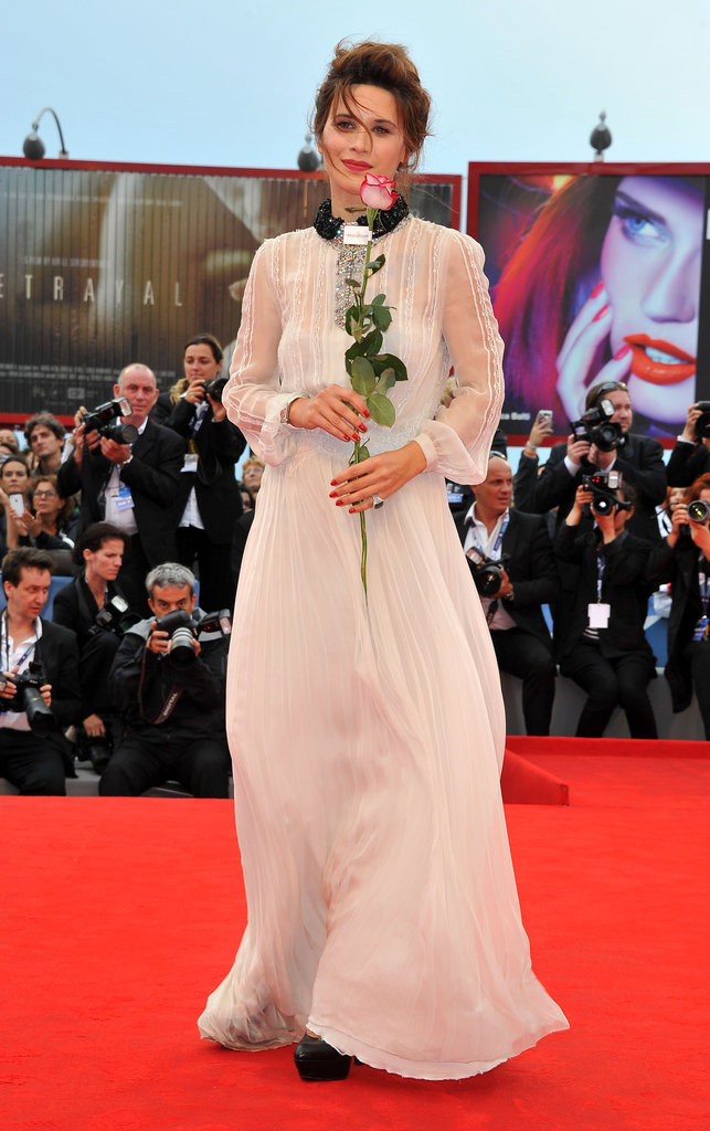 Valentina Cervi also opted for the black-and-white palette, but took a decidedly more romantic approach to her ensemble.