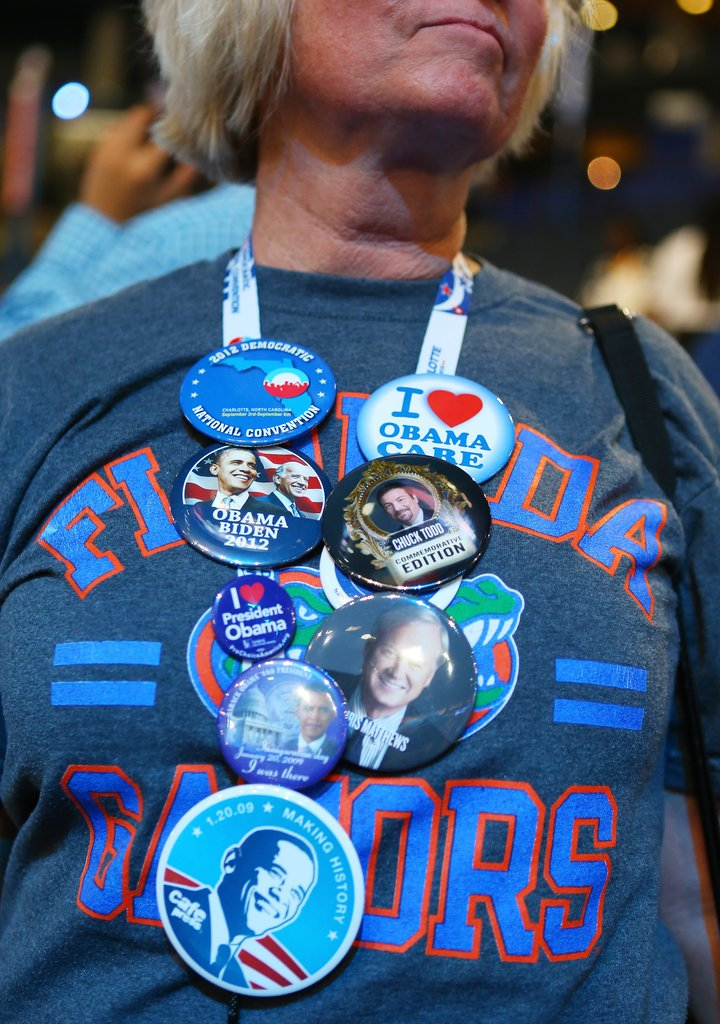 A woman showed her true blue spirit with her attire.