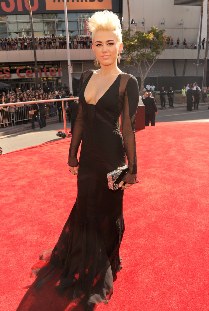 Miley Cyrus wore a black dress to the VMAs.
