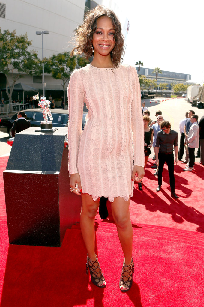 Zoe Saldana looked laid-back and lovely in a cream Salvatore Ferragamo dress and black strappy heels.