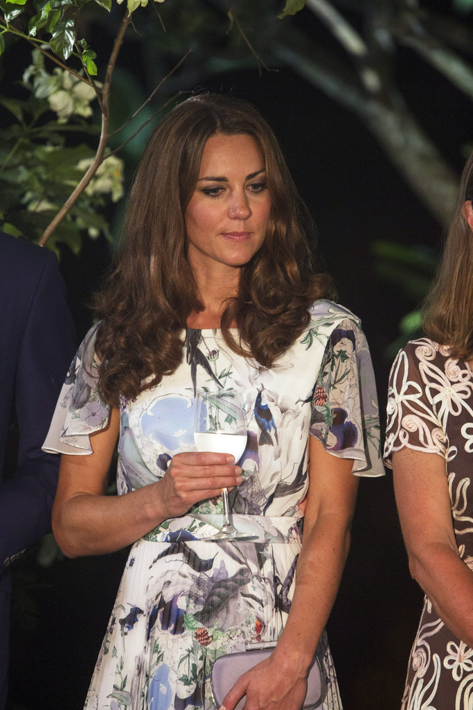Kate Middleton drank water from a wine glass in Singapore.