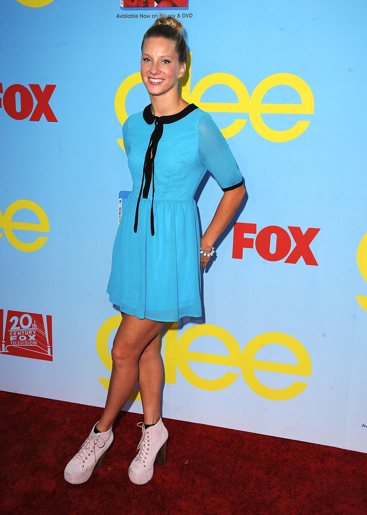 Heather Morris wore a bright blue dress.