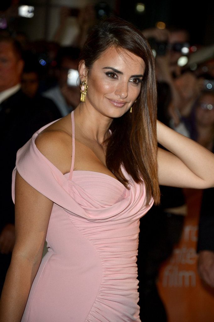 Penelope Cruz wore her long hair down.