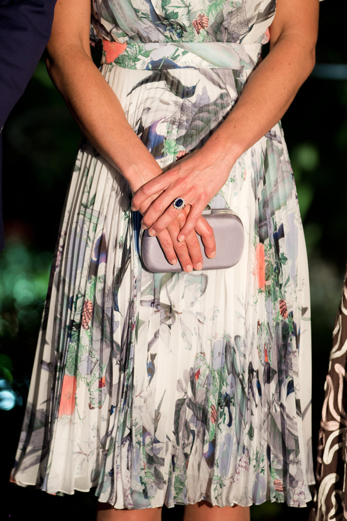 The Duchess carried a co-ordinating clutch.
