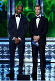 Presenters Damon Wayans Jr. and James Van Der Beek shared NFL Sunday scores on stage.