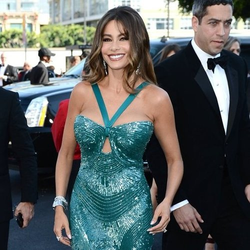 Sofia Vergara in a Teal Gown at the Emmys 2012 | Pictures