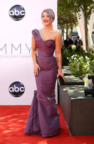 Kelly Osbourne showed off her curved in lavender.