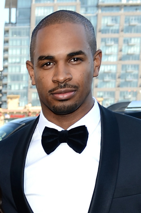 Damon wayans jr hollywood eye candy at the emmys for Damon wayans jr