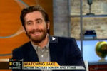 "Jake Gyllenhaal Jokes About Being a ""Troubled Uncle"" and Talks Family"