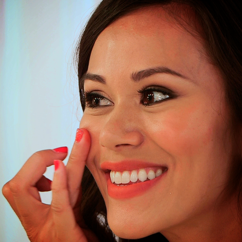 PopSugar Shop's Becca Beach Tint Creme Blush Review | Video