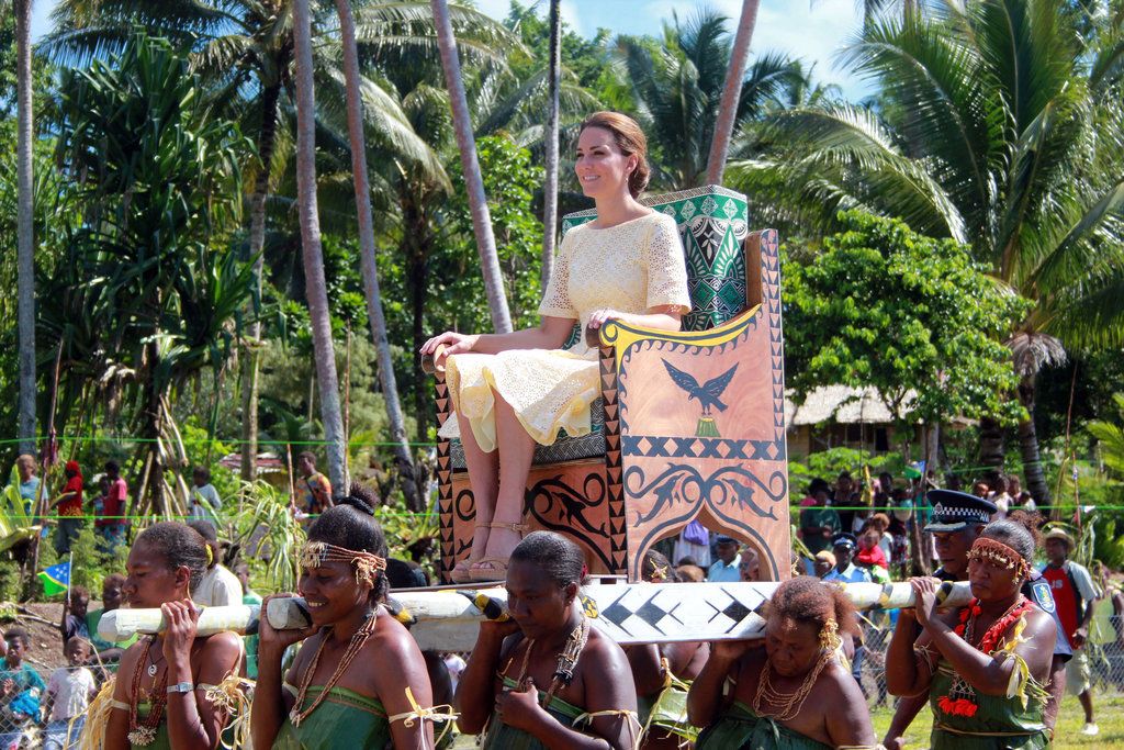 Kate Middleton was carried in on an elevated chair upon arrived in Tuvalu.