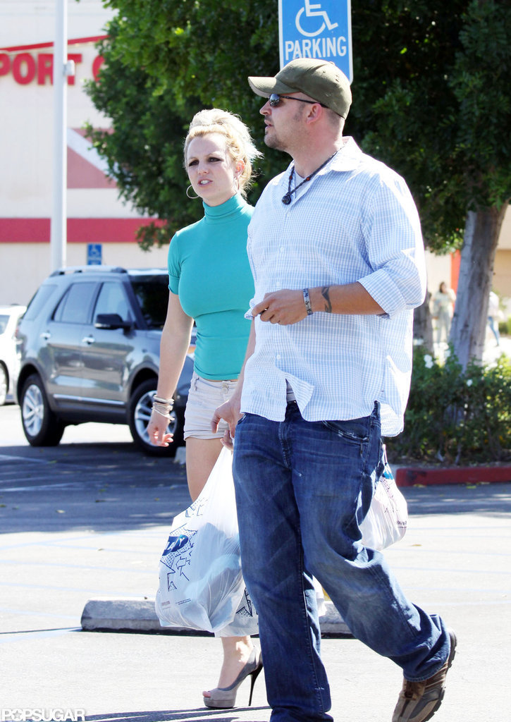 Britney Spears chatted as she made her way back to the car.