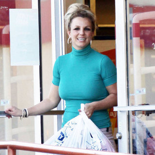 Britney Spears Shopping at Old Navy | Pictures