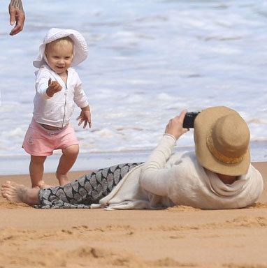 Pink Visits Australia With Carey and Willow Hart