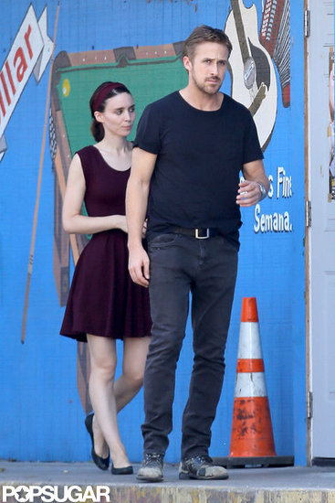 Ryan Gosling Kisses Rooney Mara For the Cameras