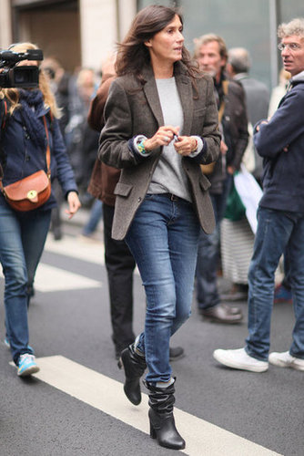 Emmanuelle Alt never ceases to amaze us with her polished laid-back style.
