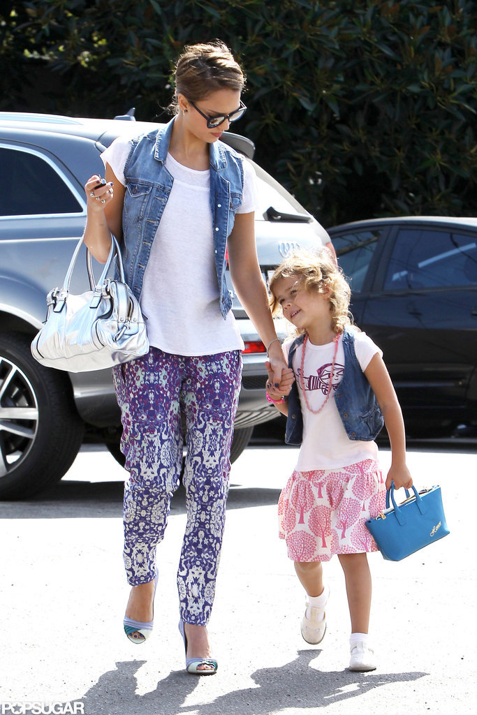 Jessica Alba went shopping with Honor in LA.