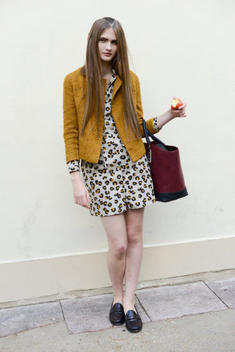 A cool mix of mustard yellow on her Phillip Lim jacket and APC dress looked just right against a Burgundy Zara bag.