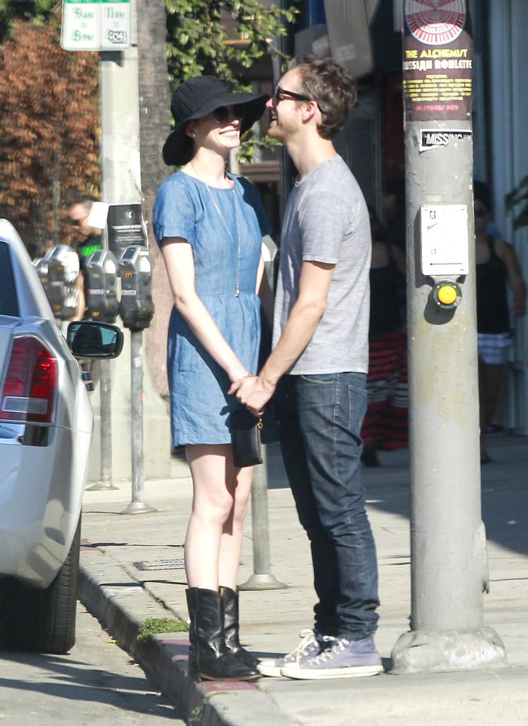 Anne Hathaway only had eyes for Adam Shulman during an August 2012 outing in LA.