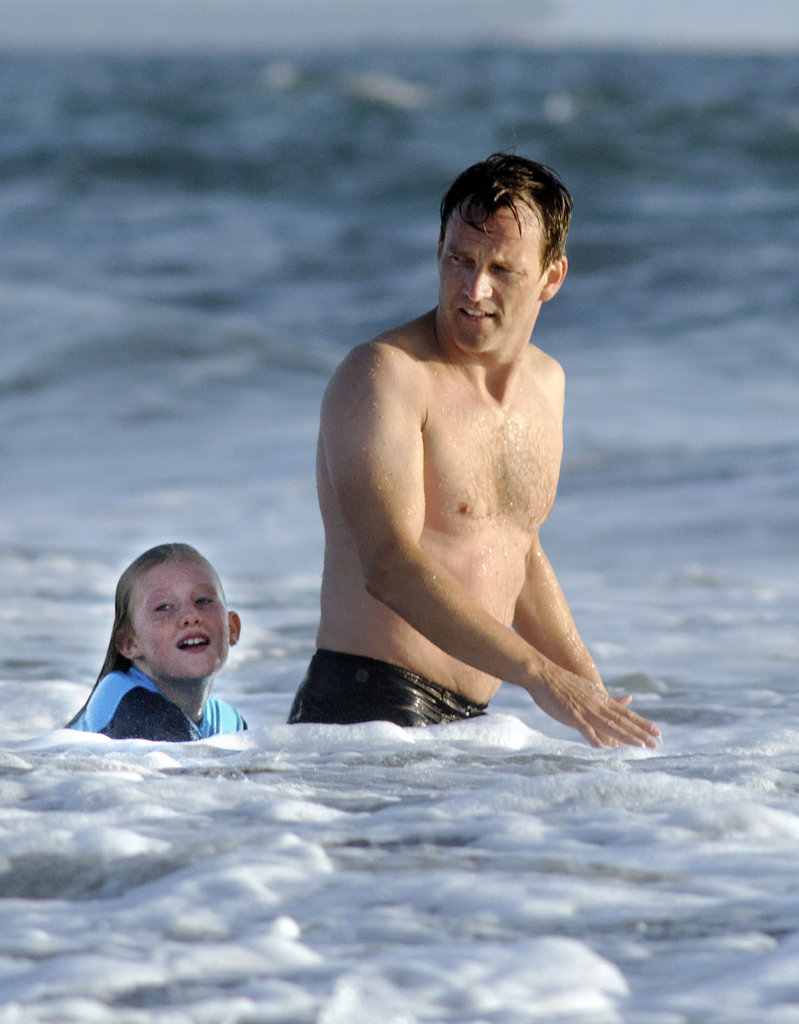Stephen Moyer showed off his abs while taking a swim.