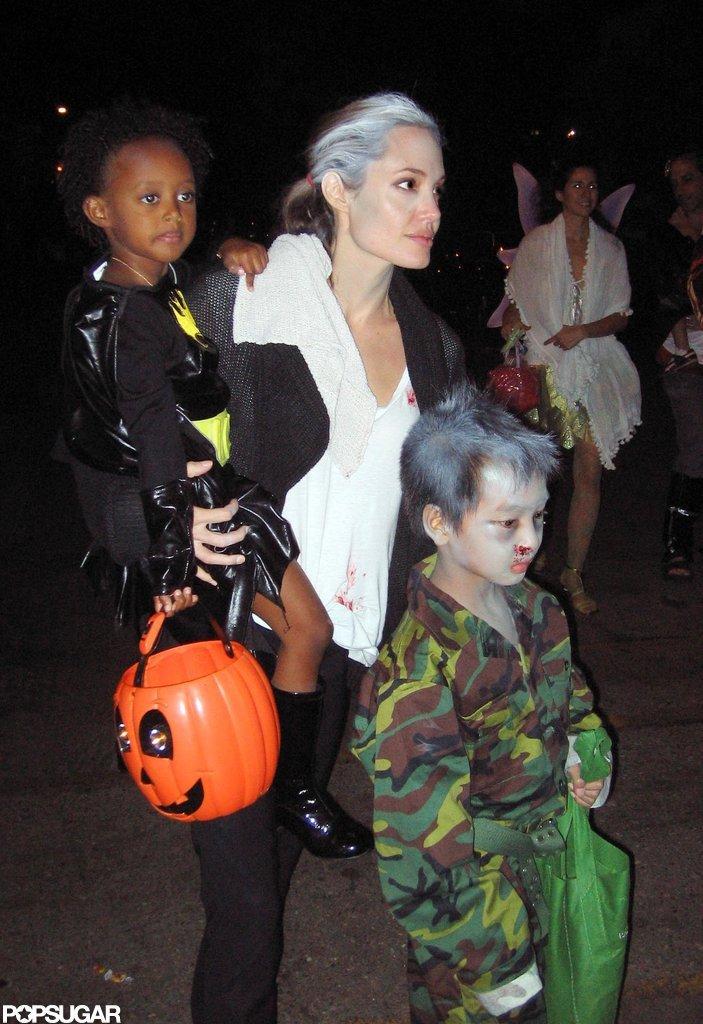 Angelina Jolie kept Maddox and Zahara close in LA on Oct. 31, 2009.