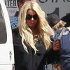 Jessica Simpson Wears Short Shorts to Photo Shoot | Pictures