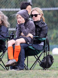 A bundled-up Anna Paquin helped cheer on Stephen Moyer's daugher, Lilac, and her team.