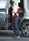 Jennifer Garner had her hands full in Brentwood.