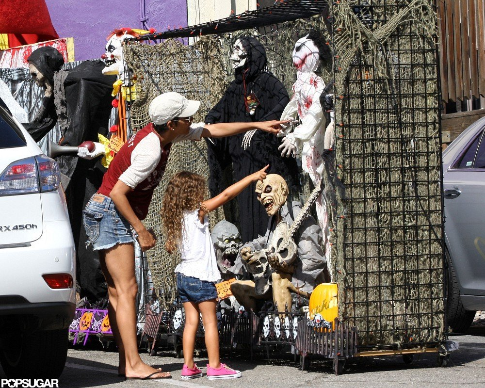 Halle Berry and Nahla stopped at a Halloween store in LA.
