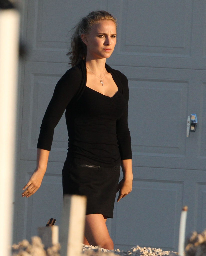 Natalie Portman wore all black and showed off her blond locks in Texas.